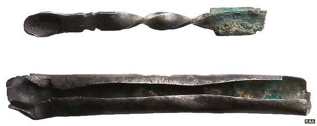 Medieval silver ear scoop