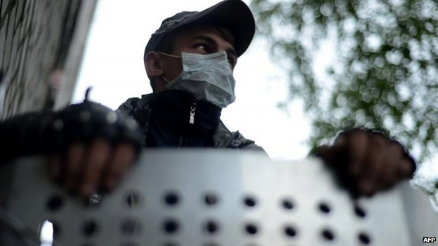 Pro-Russian activist, Sloviansk, 29 April