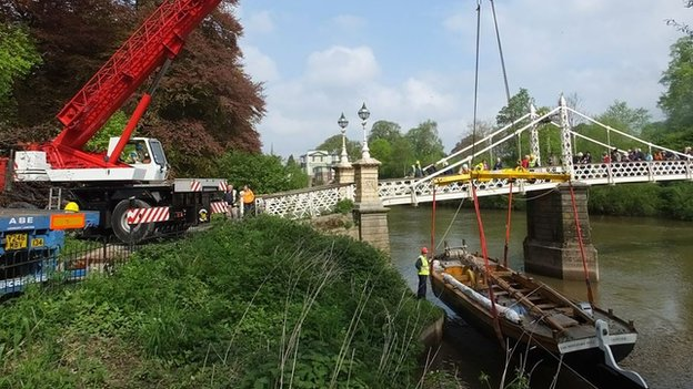 The trow is lowered on to the Wye