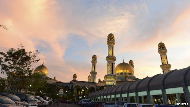 General view of the Jame'asr Hassanil Bolkiah Mosque during a mass prayer session in Bandar Seri Begawan, in this 13 March 2014 file picture