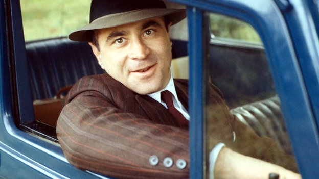 Bob Hoskins in Pennies from Heaven