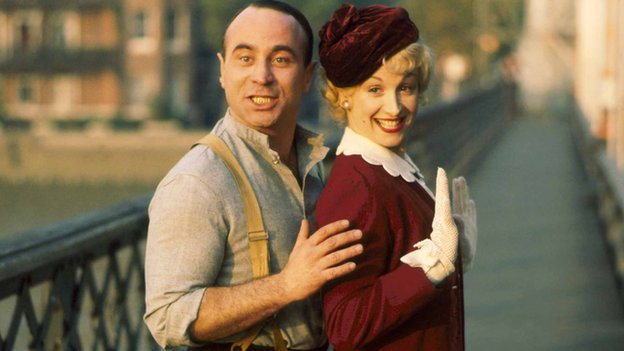 Bob Hoskins with Cheryl Campbell in Pennies from Heaven