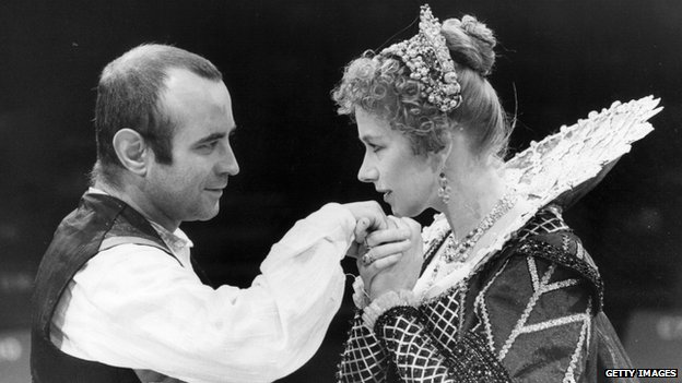 Bob Hoskins with Helen Mirren in a 1981 production of The Duchess of Malfi