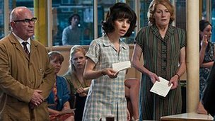 Bob Hoskins, Sally Hawkins and Geraldine James in Made in Dagenham