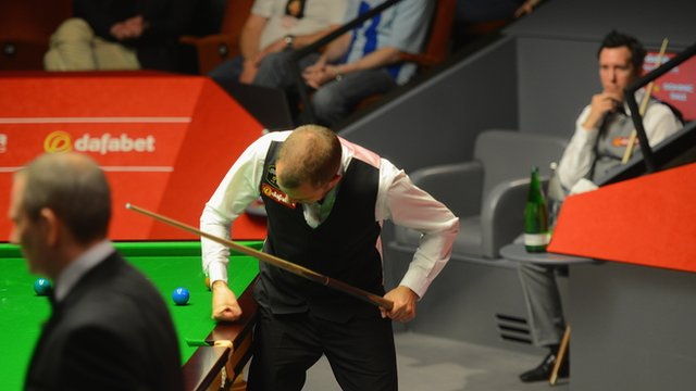 Barry Hawkins defeats Dominic Dale at the World Snooker Championship