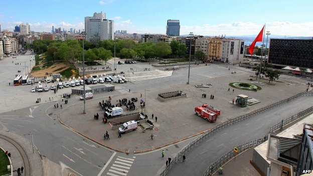 Taksim Square 01/05/2014
