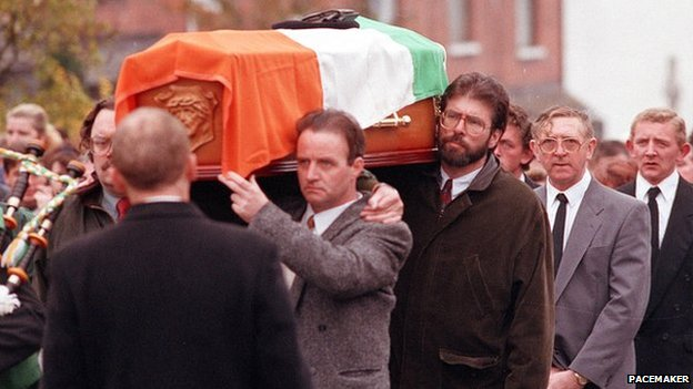 Gerry Adams carrying the coffin of IRA bomber Thomas Begley in 1993