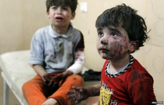 Children injured in the reported air strike in Halak, Aleppo (1 May 2014)