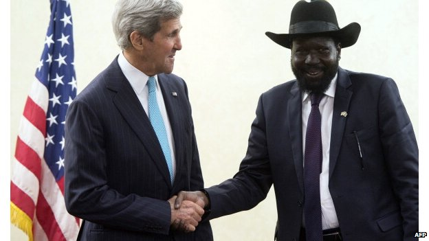 South Sudan's President Salva Kiir Mayardit (R) meets US Secretary of State John Kerry in Juba, South Sudan - 2 May 2014