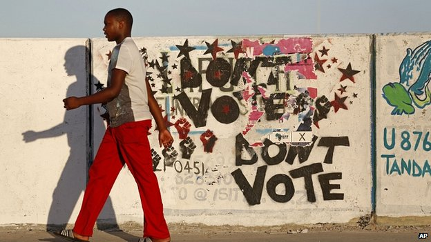 Scene in Khayelitsha Township on outskirts of Cape Town. 1 May 2014