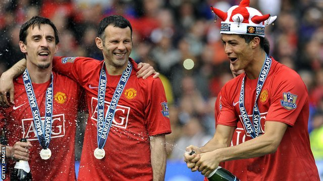 Gary Neville, Ryan Giggs and Cristiano Ronaldo celebrate Man Utd's title win in 2009