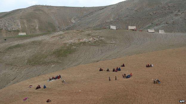 Survivors in Badakhshan on 3 May 2014