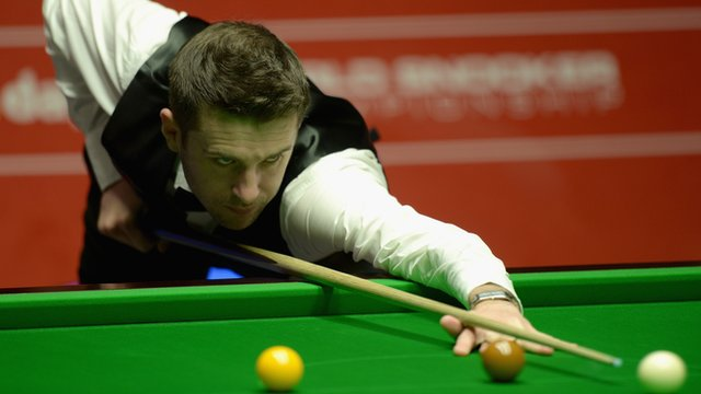 England's Mark Selby beats world number one Neil Robertson 17-15 to reach his second World Championship final.