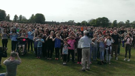 Stephen Sutton and supporters break a world record