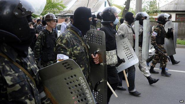 Pro-Russian separatists in Donetsk, 4 May 14