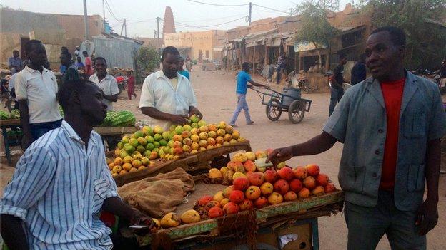 A street scene in Agadez, Niger (April 2014)