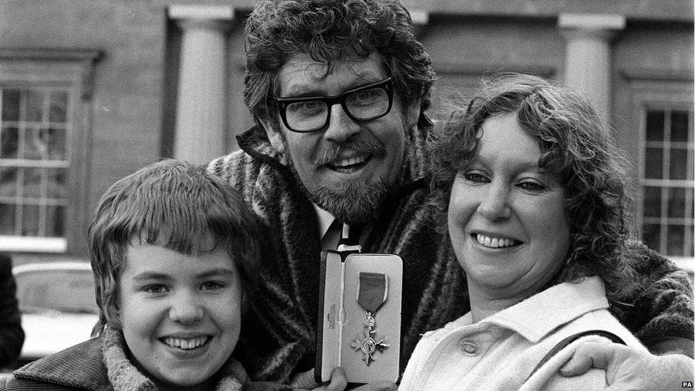 Rolf Harris, daughter Bindi and wife Alwen in 1977