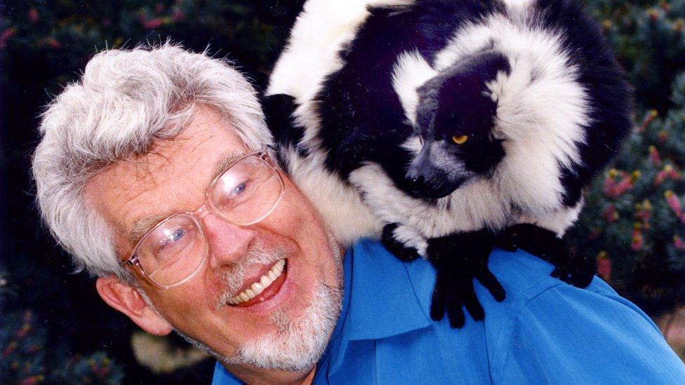 Rolf Harris on Rolf's Amazing World of Animals in 1998