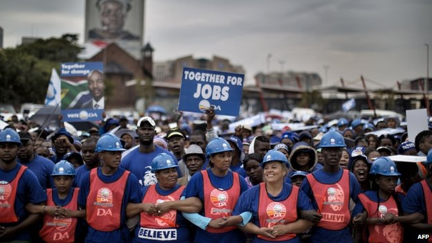 People at an opposition Democratic Alliance rally