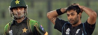 Pakistan's Mohammad Hafeez and New Zealand's Ronnie Hira