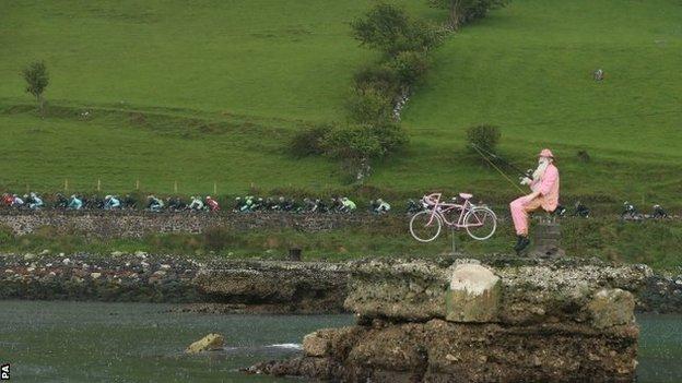 Giro d'Italia riders in Northern Ireland