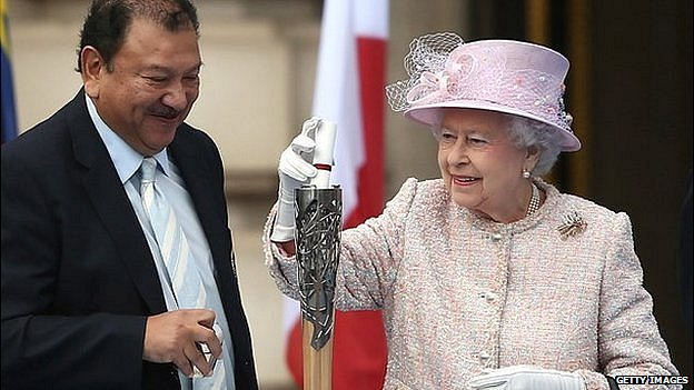 Prince Imran Tunku and Queen Elizabeth II