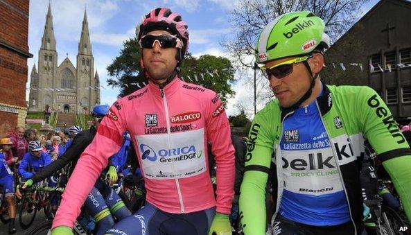 Overall leader Michael Matthews of Australia and Maarten Tjallingii at the start of stage three