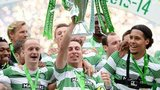 Scott Brown lifts the trophy