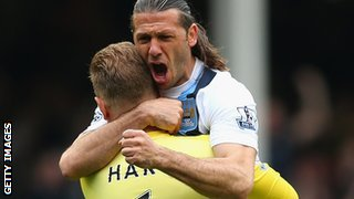 Martin Demichelis and Joe Hart