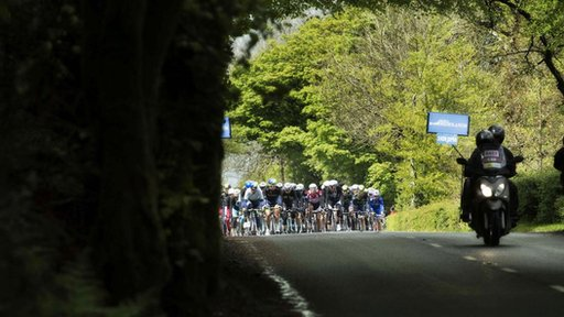 The race headed south from Armagh city towards Dublin  as the sun finally shone on the riders