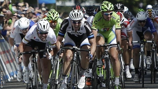 Mark Cavendish (left) beats John Degenkolb to the line on stage one of the Tour of California