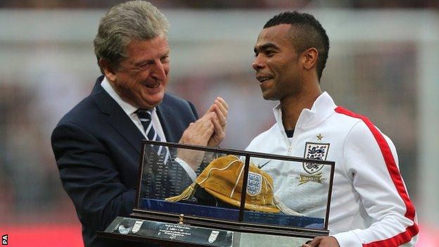 Roy Hodgson presents Ashley Cole with 100th cap