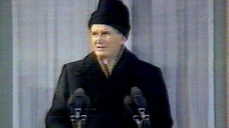Ceausescu giving his last speech