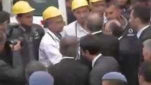 Recep Tayyip Erdogan meeting rescue workers