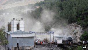 Mine in Soma (14 May 2014)