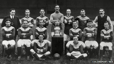 Bradford City with the FA Cup in 1911