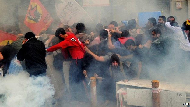 Protesters soaked by water cannon on Istanbul's Istiklal street - 14 May