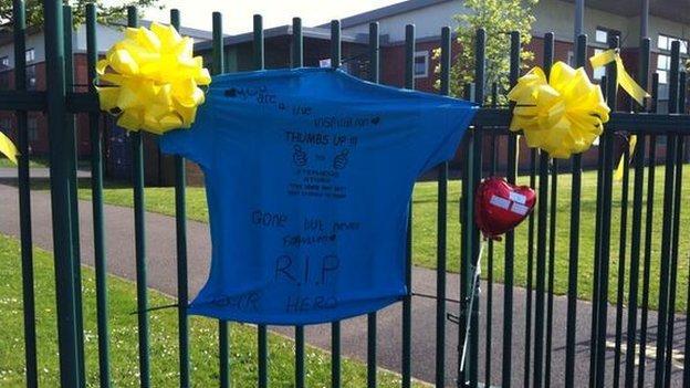 Tshirt on school gates