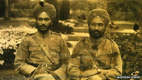 Maghar Singh (left) with colleague Dalip Singh