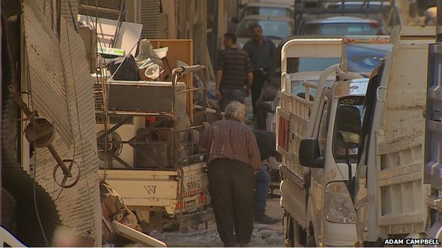 Clean-up efforts in Homs