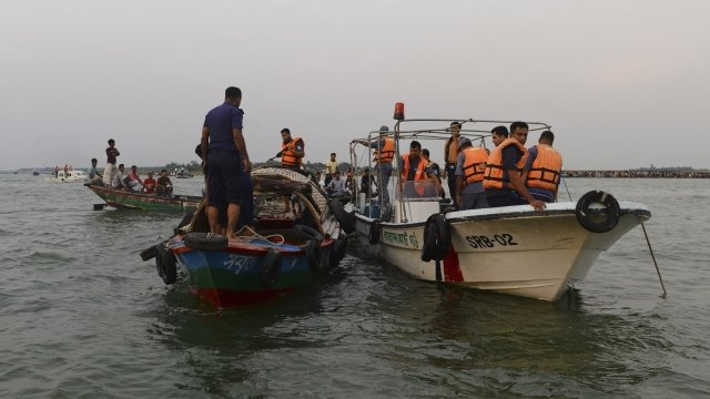 Resucers look for bodies of passengers from M.V. Miraj-4 ferry