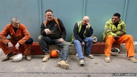 Lee, Tom, Terry and Sam take a break