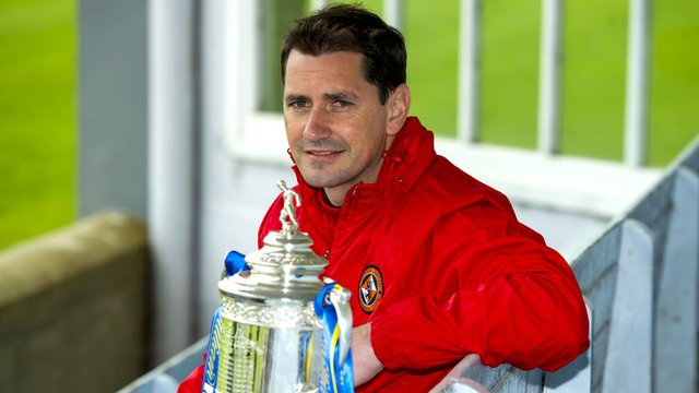Dundee United manager Jackie McNamara with the Scottish Cup