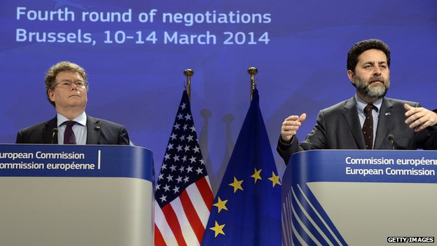 European Union chief negotiator Ignacio Garcia Bercero (R) and US chief negotiator Dan Mullaney at talks in March, 2014