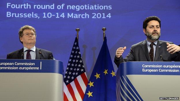 European Union chief negotiator Ignacio Garcia Bercero (R) and US chief negotiator Dan Mullaney at talks in March, 2014