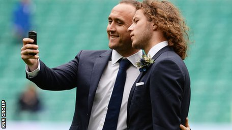 """St Johnstone duo Lee Croft and Stevie May pose for a cup final """"selfie""""."""