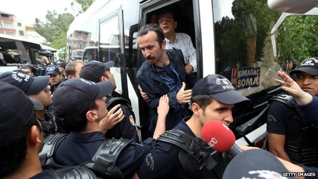 Members of Progressive Lawyers Association who came to the city to give legal counsel to the victims' families were detained by the Turkish police in Soma, a district in Turkey's western province of Manisa, 17 May 2014