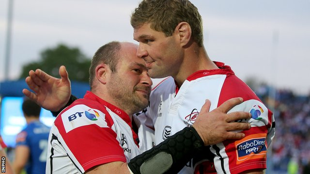 Rory Best embraces retiring Ulster skipper Johann Muller