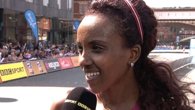 Tirunesh Dibaba wins the women's elite race at the Great Manchester Run.