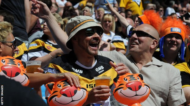 Castleford Tigers fans